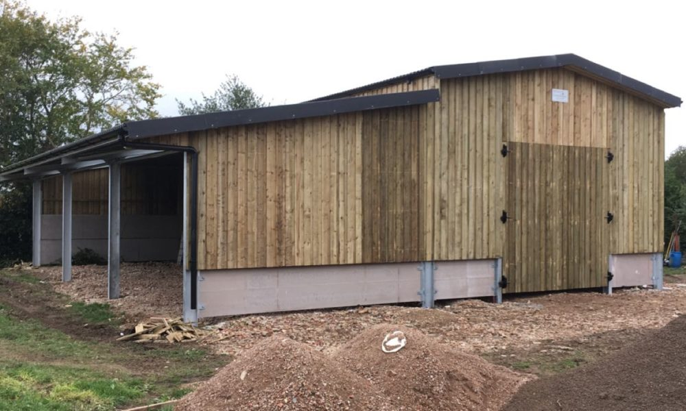 We offer many standard sized equestrian buildings, but also undertake the design of bespoke customised buildings to suit your requirements.